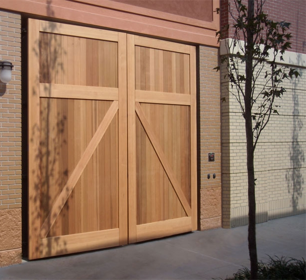 54. CL14 Design – Square, (no) lites, Z brace w/ tongue + groove panel, Western Red Cedar, and butt hinges; Hampton, VA